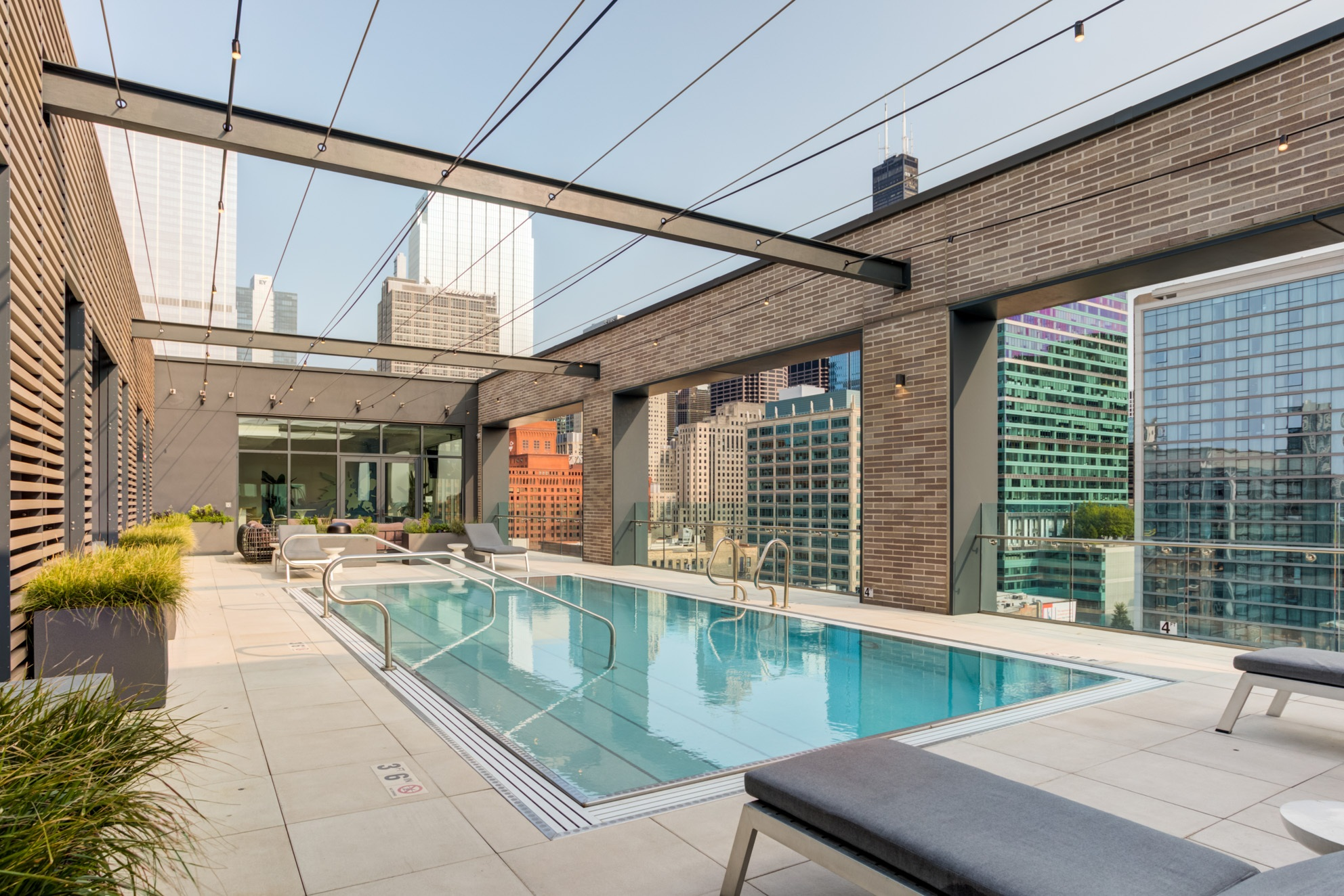 West Loop Apartment Luxury Living - Emme Pool