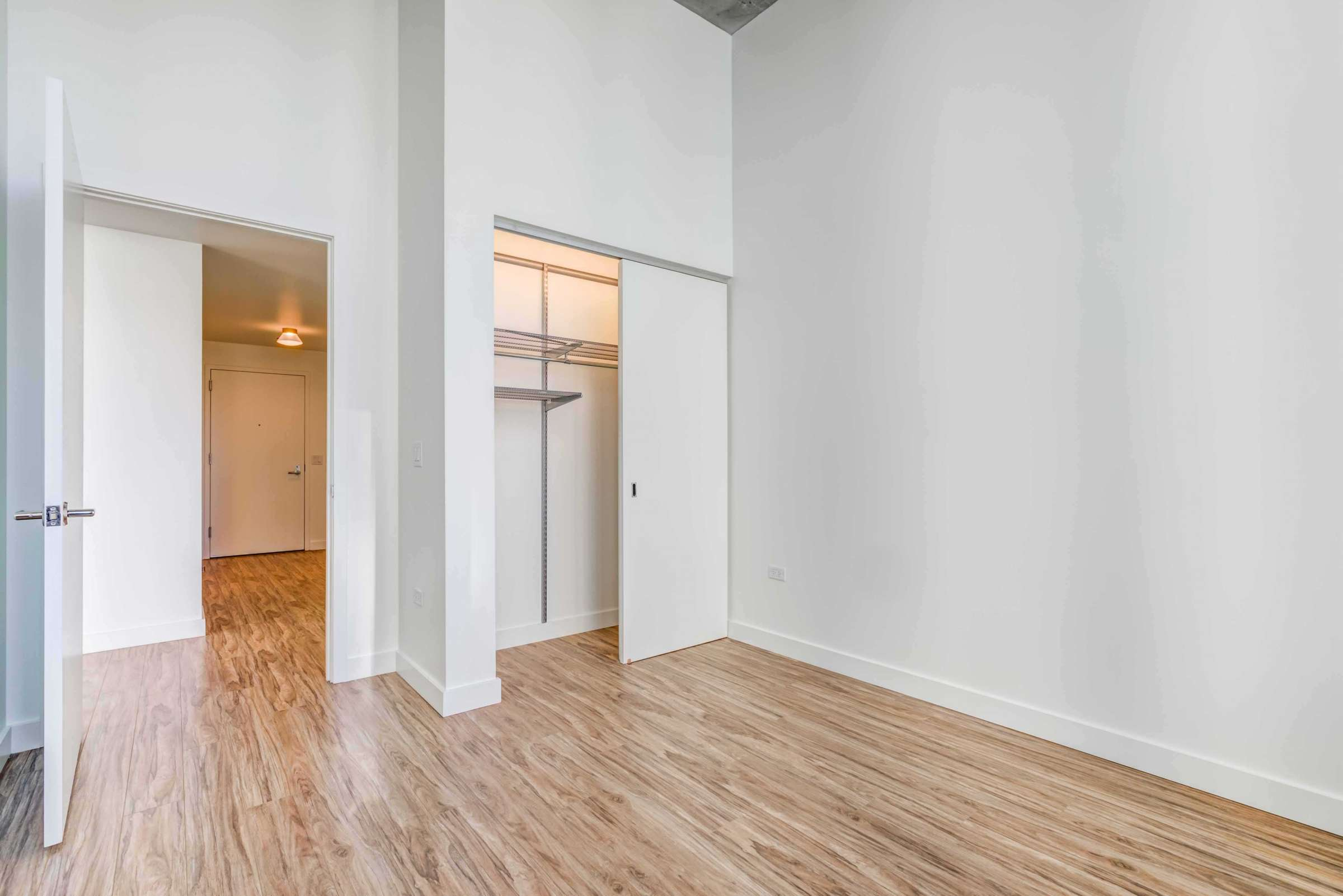 Luxury West Loop Apartments EMME - Spacious Bedroom and Large Closets