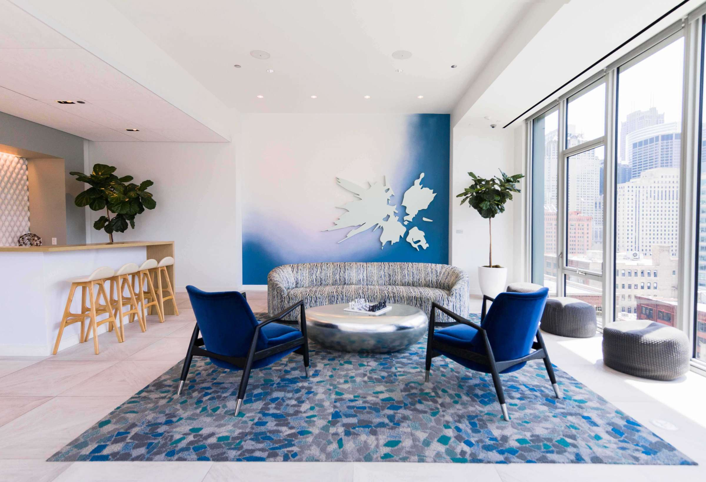 West Loop Apartment Luxury Living - Emme Amenity Lounge