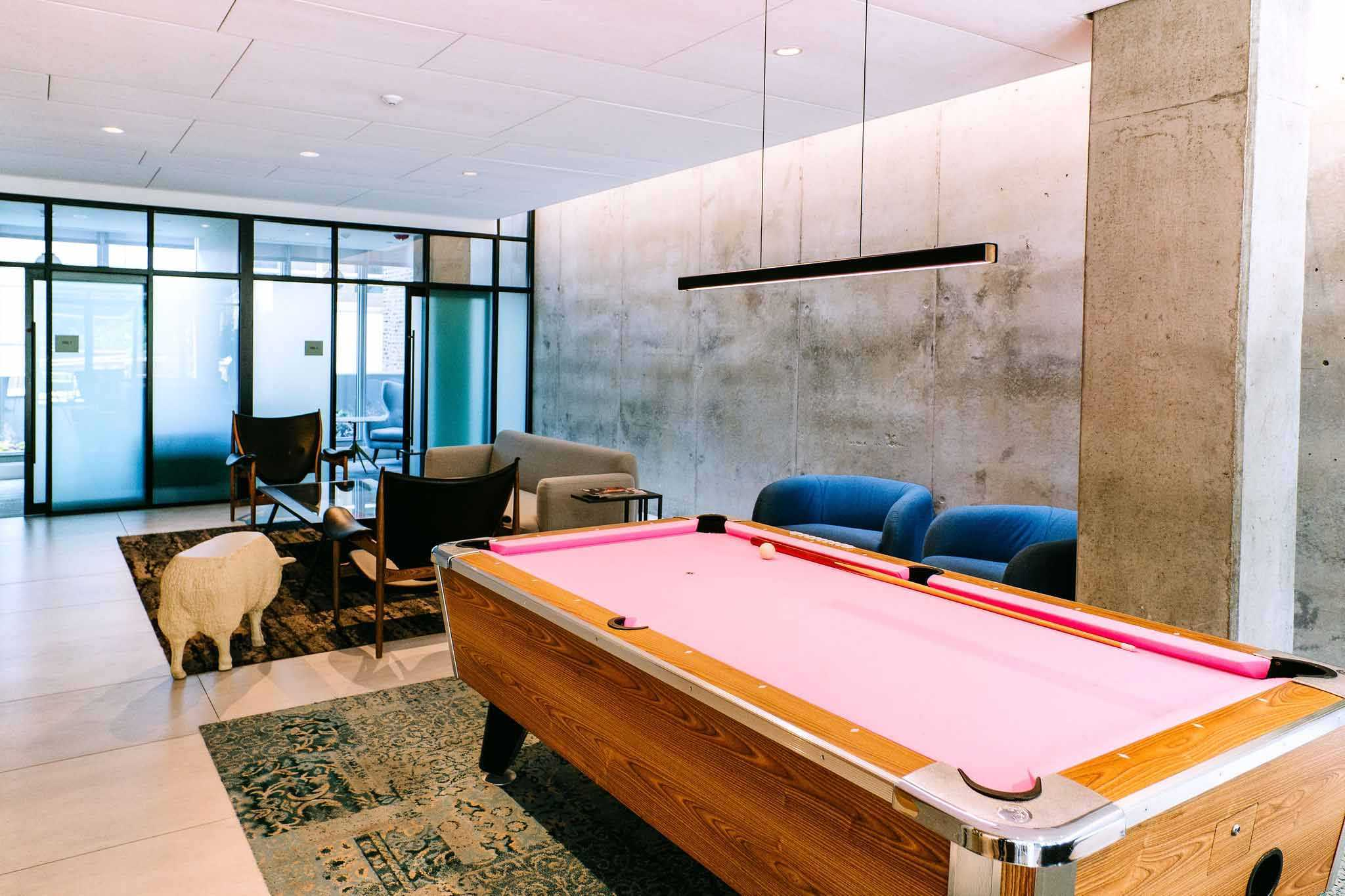 emme chicago pool table
